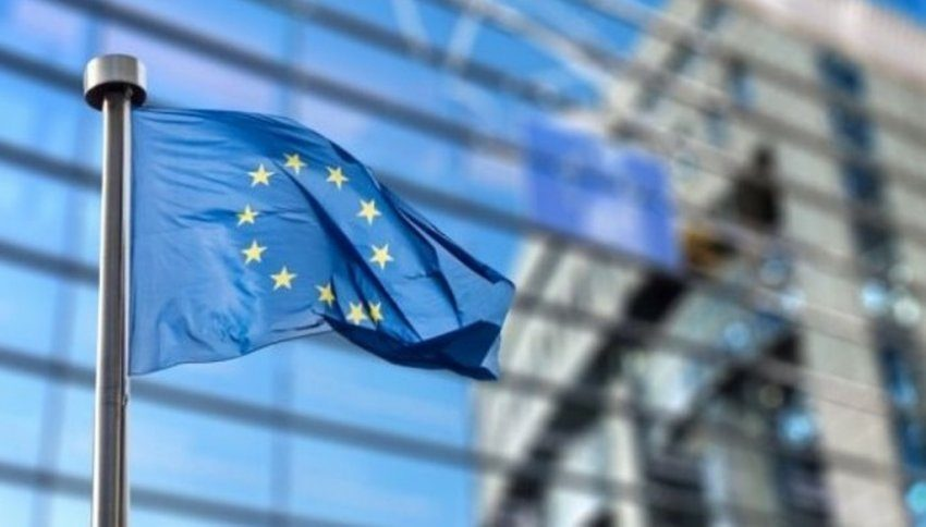 Negociatat, Ballkani dhe Macron